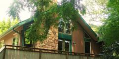 Chalet Rental with Apartment